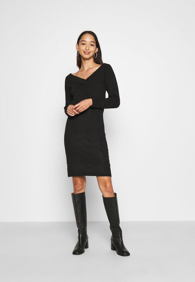 VIELLA VNECK DRESS - Abito in maglia - black
