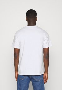 Levi's® - RELAXED FIT TEE UNISEX - T-shirts med print - neutrals - 2
