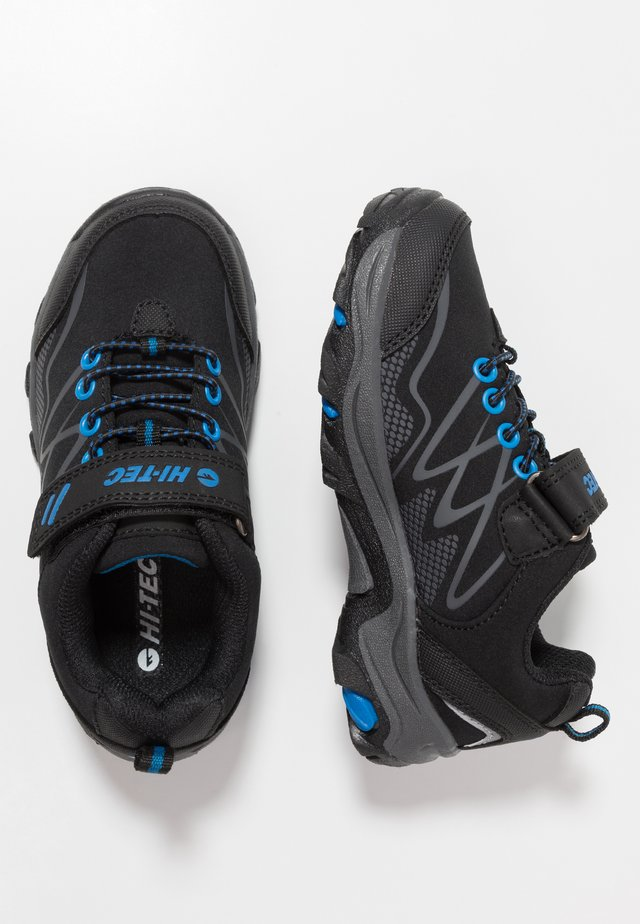 BLACKOUT LOW JR UNISEX - Hikingsko - black/blue