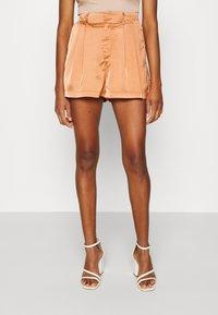 Fashion Union - TUSCANY - Shorts - apricot - 0