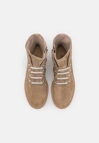 Paul Green - Korte laarzen - beige - 5