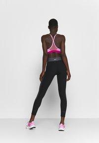 Nike Performance - Leggings - black/white/metallic silver - 2