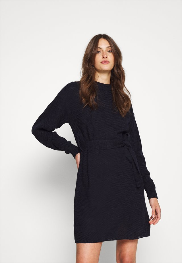 TIE WAIST JUMPER DRESS - Strikket kjole - navy