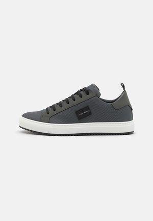 METAL - Sneakers laag - london grey