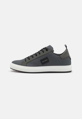 METAL - Sneakers - london grey