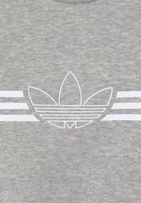 adidas Originals - OUTLINE CREW - Verryttelypuku - grey/white - 6