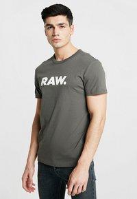 G-Star - HOLORN - Print T-shirt - gs grey - 0