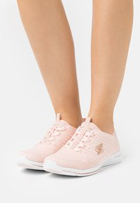 Skechers - CITY PRO - Trainers - light pink/rose gold/white - 0