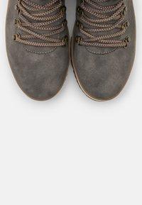 TOM TAILOR - Kilestøvletter - grey - 5