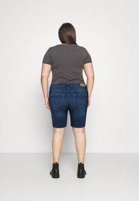 ONLY Carmakoma - CARLAOLA LIFE - Denim shorts - medium blue denim - 2
