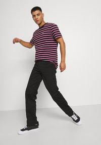 Santa Cruz - DOT WORKPANT - Pantalon classique - black - 3