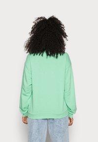 Monki - Sweatshirts - green light - 2