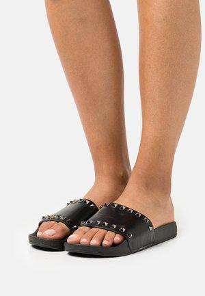 FANCY - Pantofle - black paris