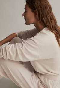 OYSHO - COMFORT FEEL  - Pyjama top - beige - 3