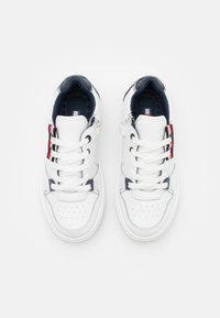 Tommy Hilfiger - Sneakers basse - white - 3