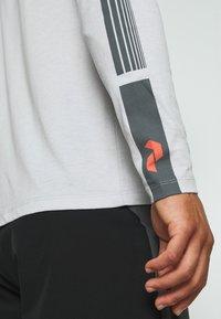 Peak Performance - EXPLORE LONG SLEEVE - Long sleeved top - steam gray - 5