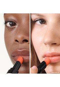 Bobbi Brown - EXTRA LIP TINT  - Rouge à lèvres - melon 2 - 1