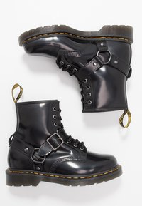 Dr. Martens - 1460 HARNESS BOOT - Veterboots - black - 1