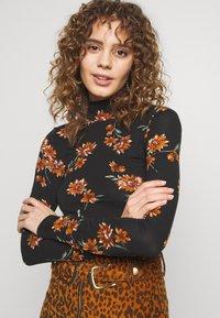 Gina Tricot - DORSIA - Topper langermet - black/orange - 4