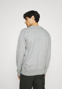 GANT - ORIGINAL C NECK - Sweatshirt - grey melange - 2