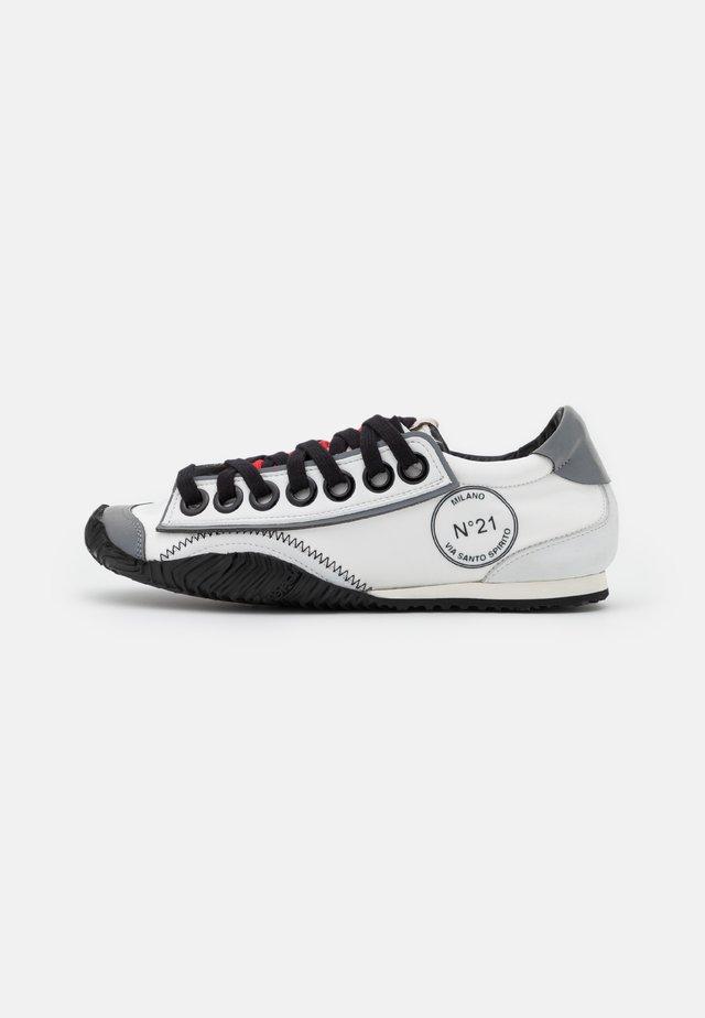STRIKE - Sneakersy niskie - white