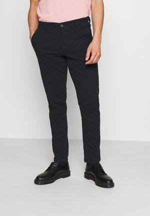 SLHSLIM CHESTER FLEX PANTS - Chino kalhoty - black
