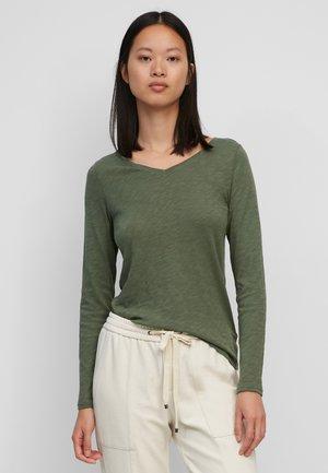 Long sleeved top - fresh moss