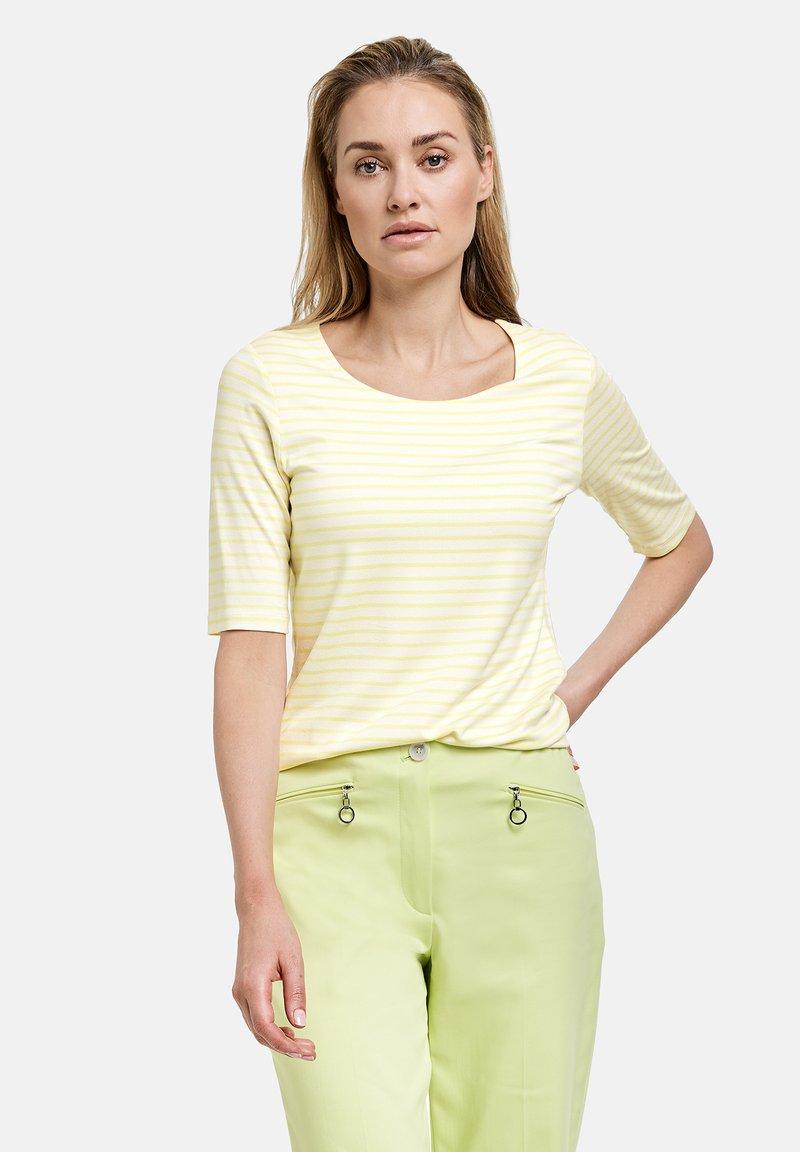 Gerry Weber - 1/2 ARM GERINGELTES - Print T-shirt - ecru/weiss/gelb ringel