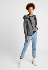 ONLY - ONLSEDONA LIGHT SHORT JACKET - Lett jakke - dark grey melange - 1