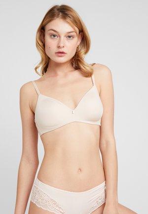 BODY MAKE-UP ESSENTIALS - Podprsenka pod tričko - nude beige