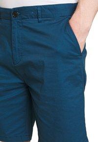 Scotch & Soda - STUART CLASSIC - Shorts - royal blue - 3