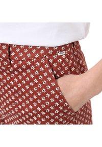 Vans - AUTHENTIC PRINT - Trousers - henna - 2