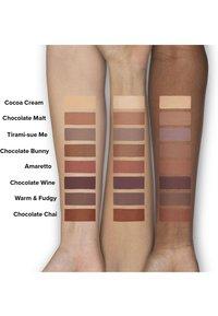 Too Faced - MELTED CHOCOLATE EYE SHADOW - Eye shadow - warm & fudgy - 2