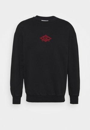 ARTWORK CREW - Sweatshirt - faded black/red