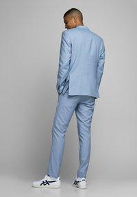 Jack & Jones PREMIUM - JPRSOLARIS  - Chino - airy blue - 2
