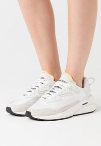 Diesel - SERENDIPITY S-SERENDIPITY LC W SNEAKERS - Trainers - white - 0