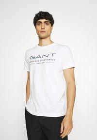 GANT - SUMMER - T-shirt med print - eggshell - 0