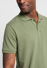 GAP - Polo shirt - desert cactus - 4