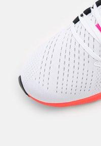Nike Performance - AIR ZOOM PEGASUS 38  - Nøytrale løpesko - white/black/football grey/pink blast/bright crimson - 5