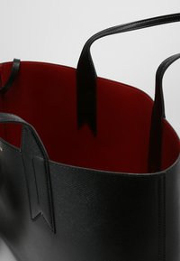 Emporio Armani - Handbag - nero/rosso - 4