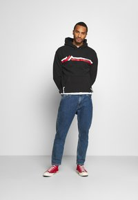 Tommy Jeans - STRIPE MOUNTAIN - Sweat à capuche - black - 1