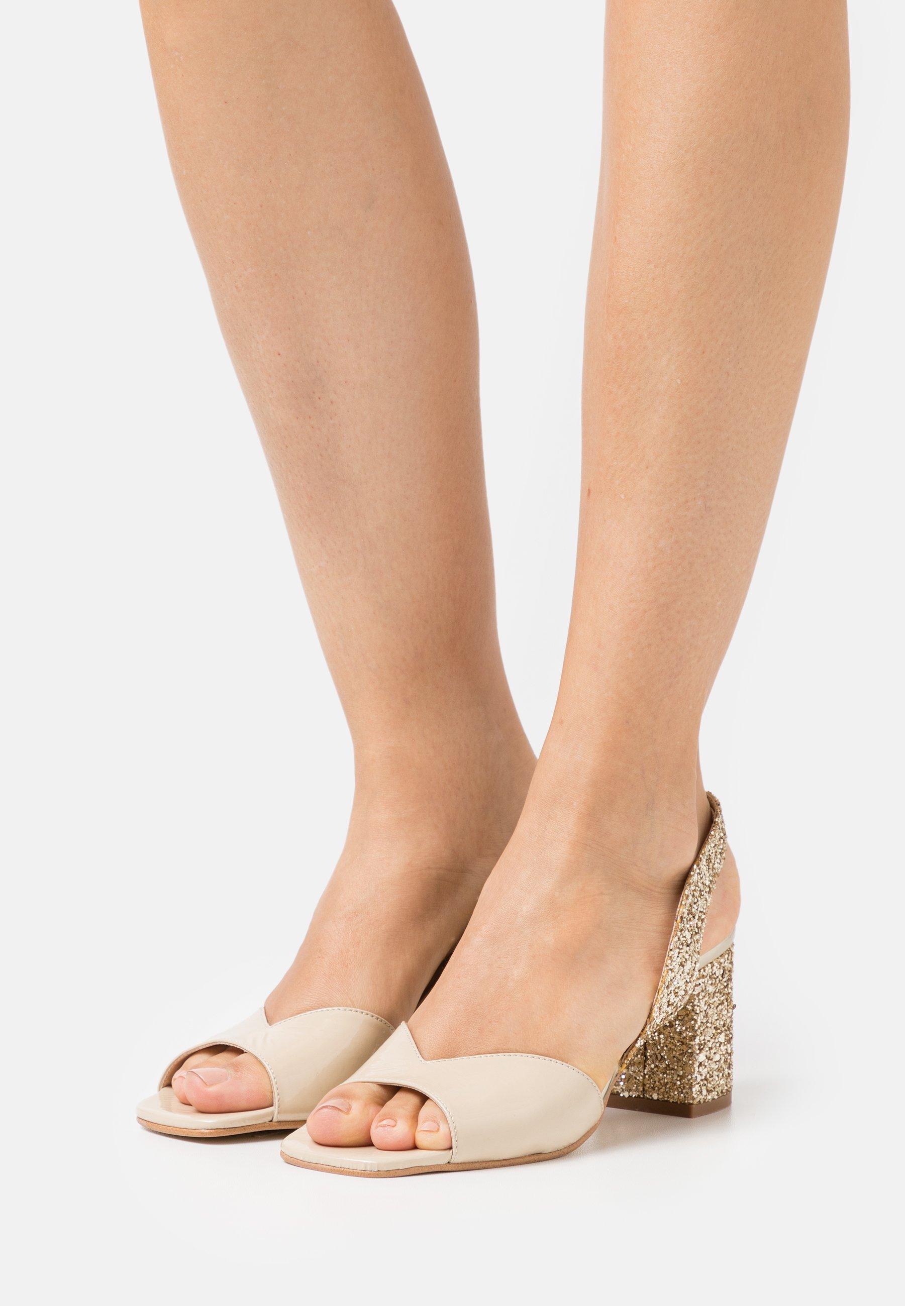 Women VOGUE - Sandals