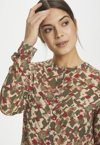Kaffe - KAFELINE - Camisa - grape leaf - 4