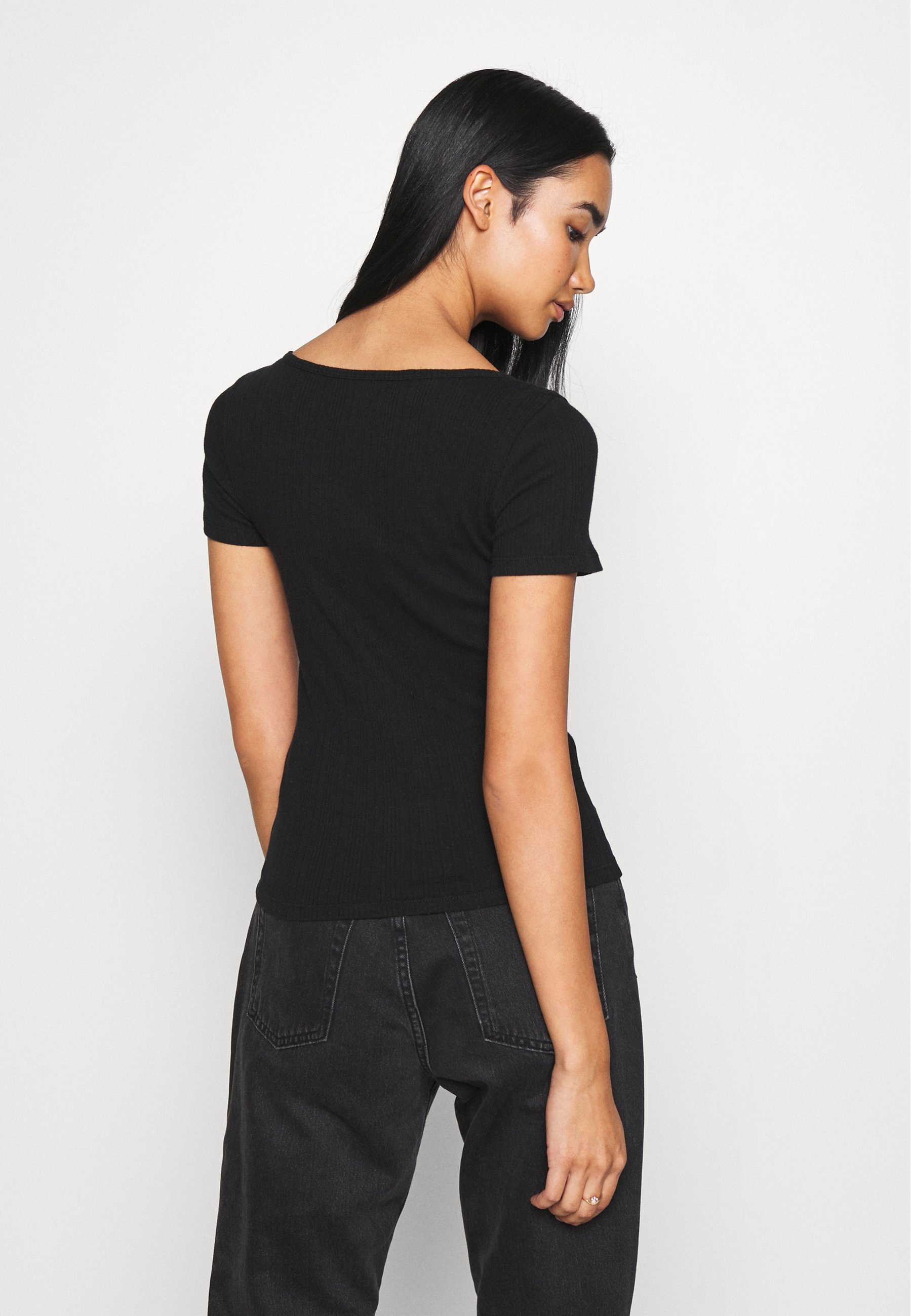Hollister Co. T-shirts - Black/svart
