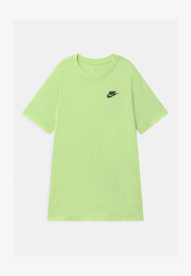 FUTURA  - Basic T-shirt - light liquid lime