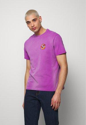 SUNFADED EMORY - Print T-shirt - purple