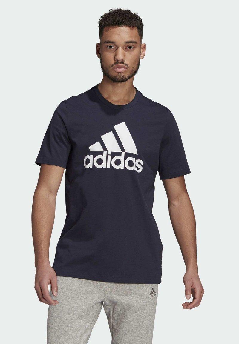 adidas Performance - T-shirt z nadrukiem - dark blue