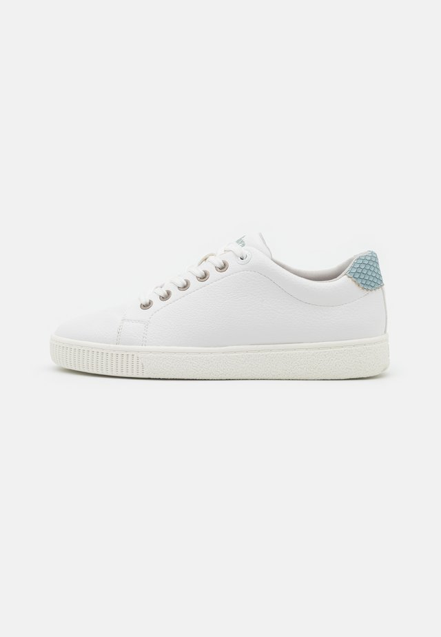 Trainers - white/sky blue