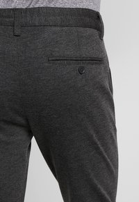Only & Sons - ONSMARK PANT - Pantaloni - dark grey melange - 3