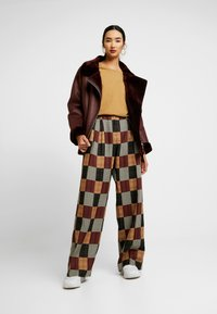House of Holland - PATCHWORK WIDE LEG TROUSER - Trousers - red/blue/multi - 1